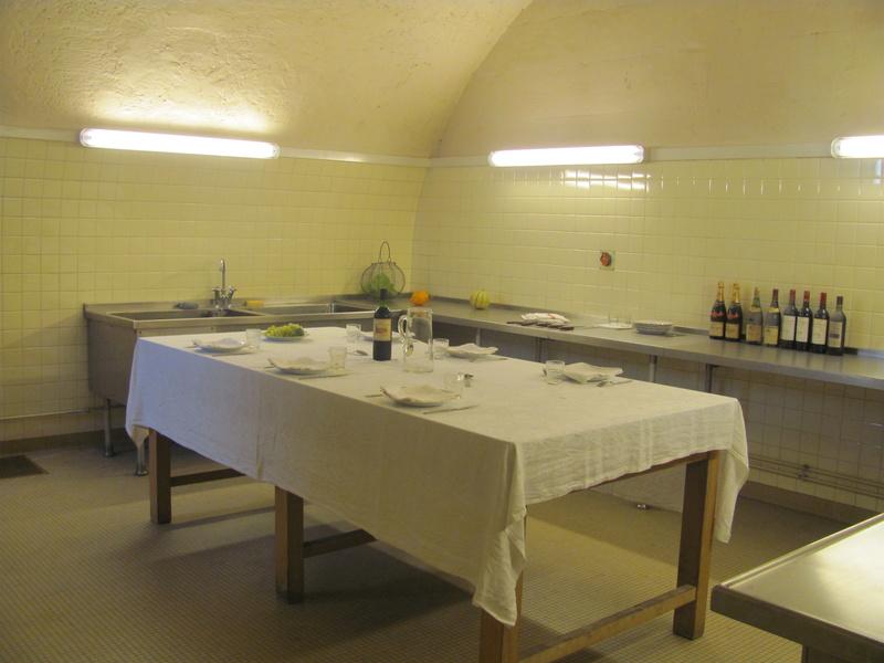 Trianon sous bois for Ilot central salle a manger