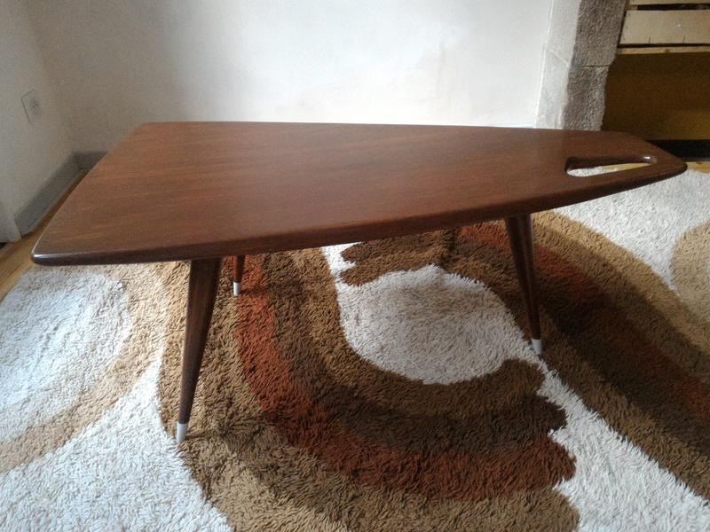 table basse pierre cruege. Black Bedroom Furniture Sets. Home Design Ideas