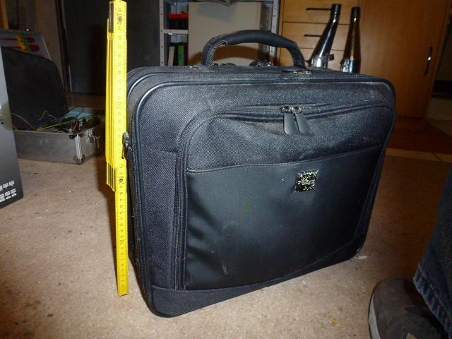 laptop busines tasche zu verschenken. Black Bedroom Furniture Sets. Home Design Ideas