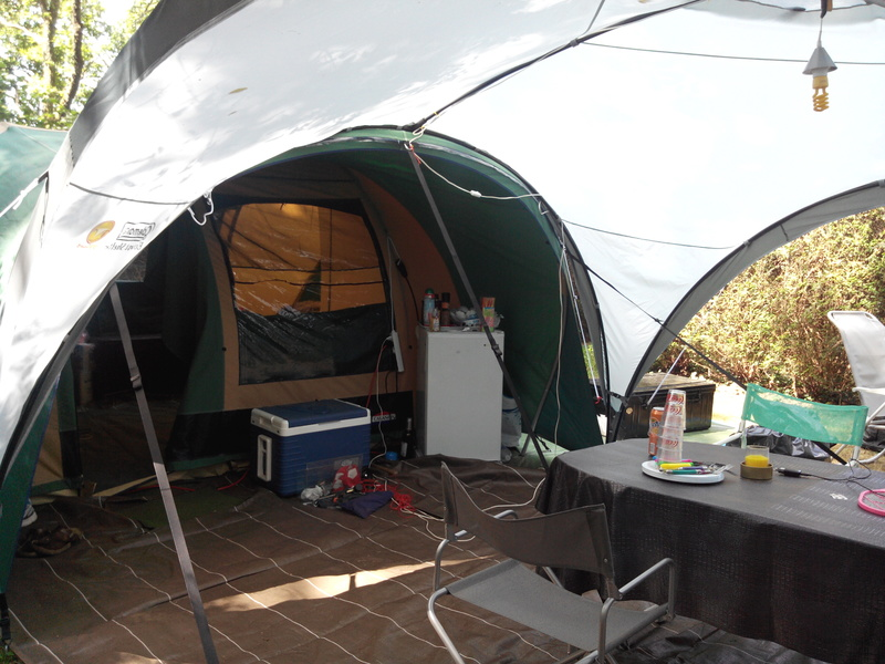 choix d 39 une tente pour famille de 5. Black Bedroom Furniture Sets. Home Design Ideas