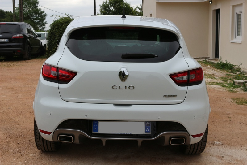03 clio 4 rs cup blanche clio rs concept. Black Bedroom Furniture Sets. Home Design Ideas